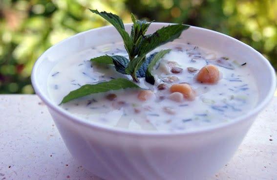 آش دوغ، غذای نذری، ماه رمضان