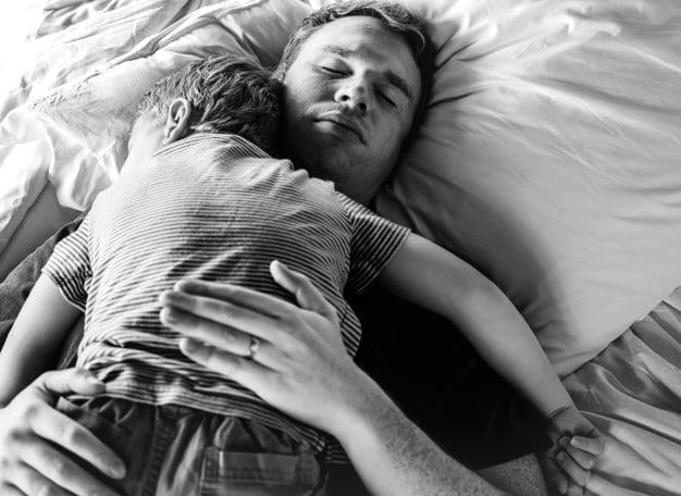 تنظیم خواب کودک توسط والدین