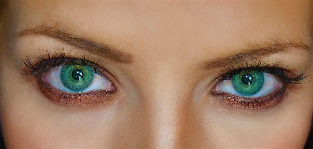 10 راه فرار از حساسیت به لوازم آرایشی - حواستان به چشمها باشد