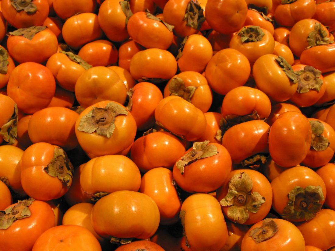 راهنمای خرید میوه تازه کدام میوه ها را نخریم - خرمالو