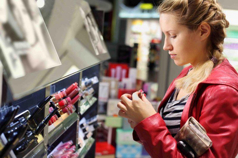لوازم آرایشی بدون سرب رازهای اعجاب انگیز جذابیت همیشگی مطمئن و بی خطر-ایمنی لوازم آرایشی و مقررات سازمان غذا و داروی امریکا