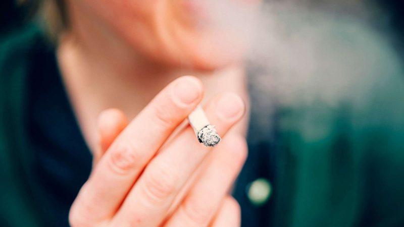 سیگار برای پوست ضرر دارد