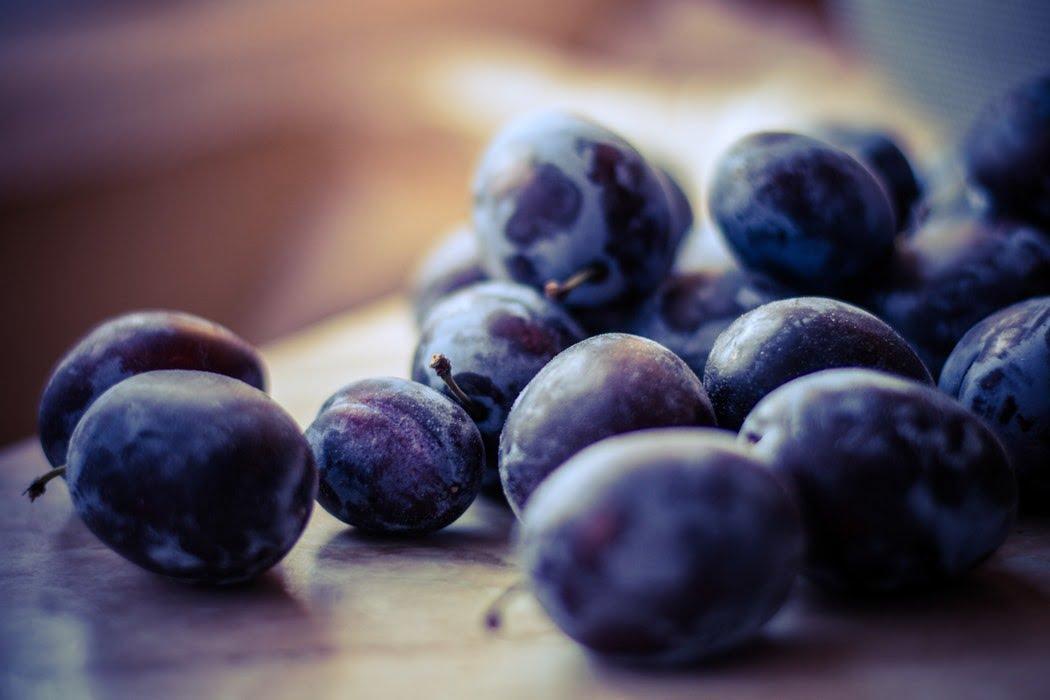 میوه آلو سیاه