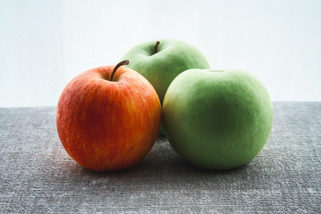 ترفندهای نگهداری طولانیتر سیب و موز- سیب