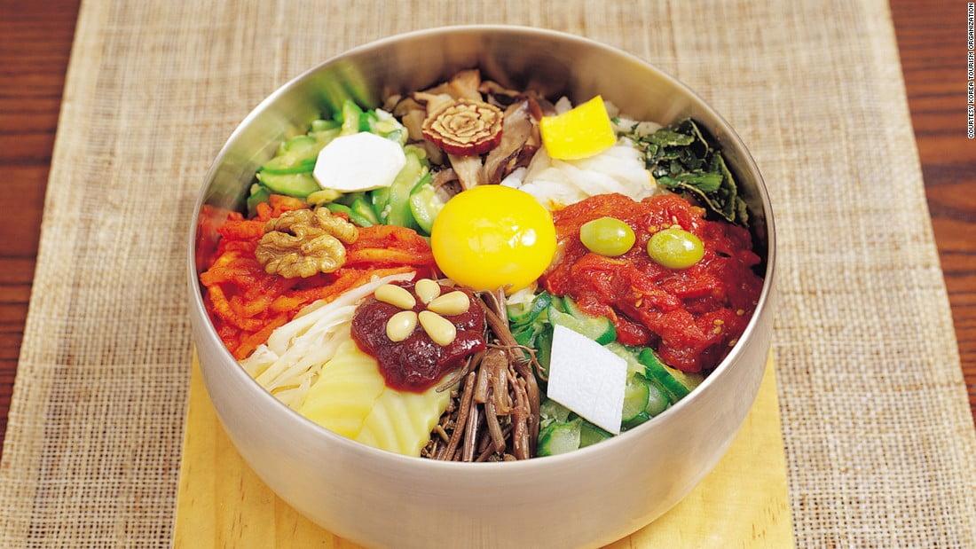 9. غذاهای سبک و مغذی، نوشیدن آب فراوان