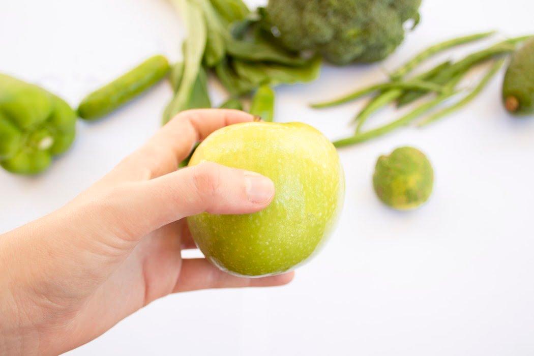 آشتی با میوهها و سبزیها: لاغر کنندههای طبیعی و قوی رژیمی-سیب