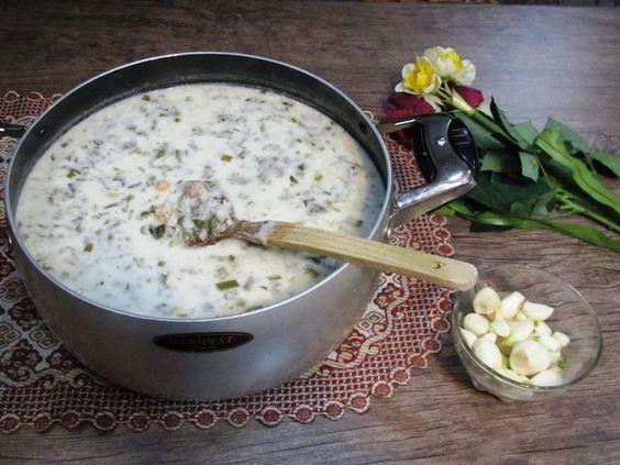 طرز تهیه آش دوغ با دوغ محلی و برنج