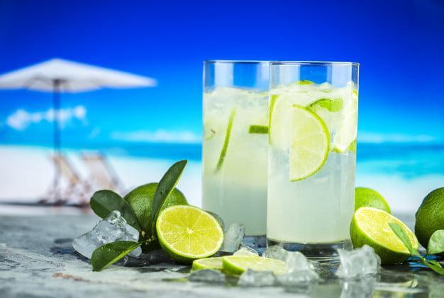 طرز تهیه لیموناد با لیموی تازه