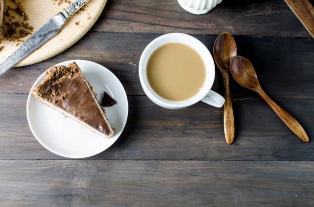 طرز تهیه چیز کیک شکلاتی یخچالی