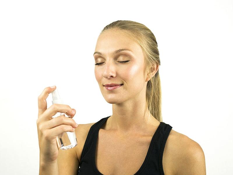 اسپری صورت-آموزش آرایش صورت آموزش آرایش ملایم روزانه آرایش صورت ملایم مجلسی