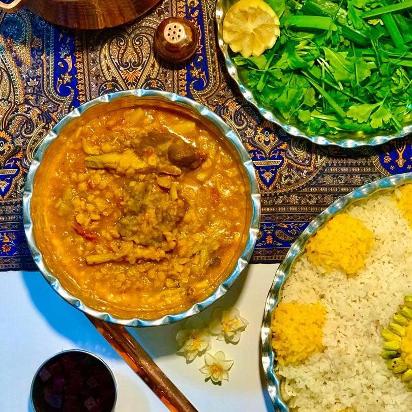 طرز تهیه خورشت کنگر محلی با گوشت